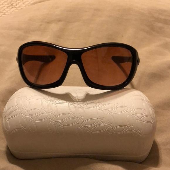 da64b8617a Oakley s Speechless sunglasses. M 5ae352f42c705d2168954a67